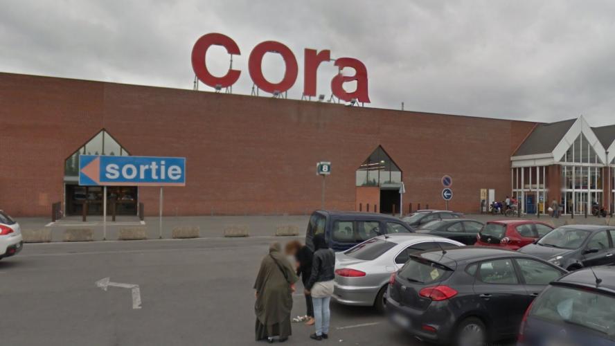 Deux adolescents, dont l'un était au volant, très gravement blessés dans un accident de la route — Villeneuve d'Ascq