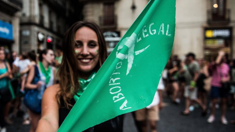A 11 ans, privée du droit d'avorter, elle subit une césarienne