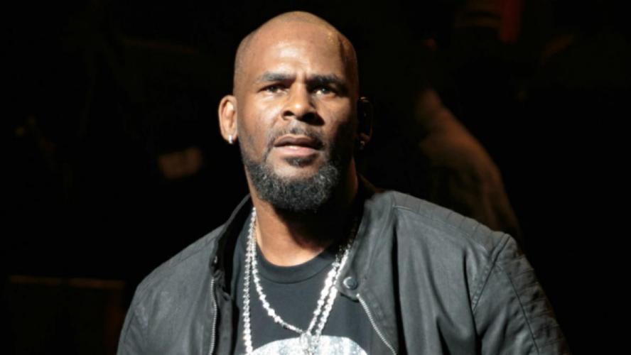 R. Kelly : Une vidéo compromettante du chanteur abusant de mineures refait surface