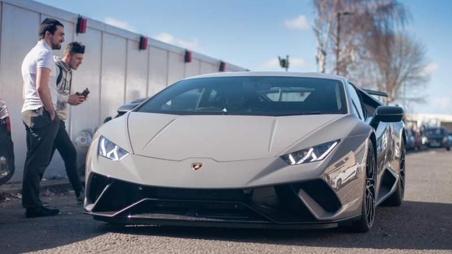 Comment détruire une Lamborghini à 250.000 € en moins de 5 secondes