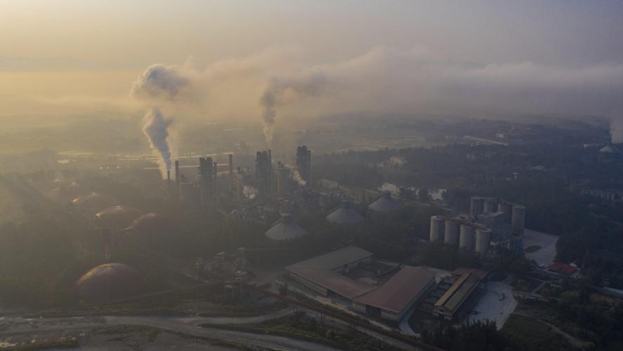 Une usine de ciment, en Chine