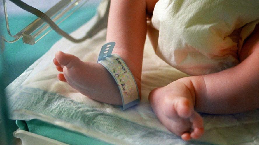 Décès tragique d'un bébé de moins d'un an — Coronavirus aux USA