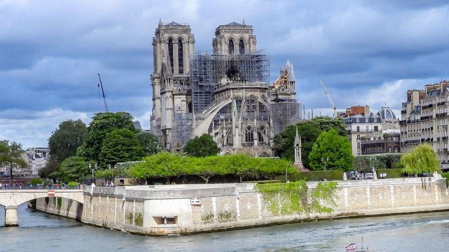 Il faudra environ quatre mois pour sécuriser le site — Notre-Dame