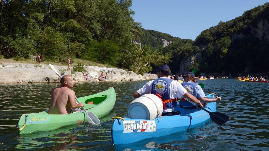L'alcool interdit de séjour pendant l'été — Gorges de l'Ardèche