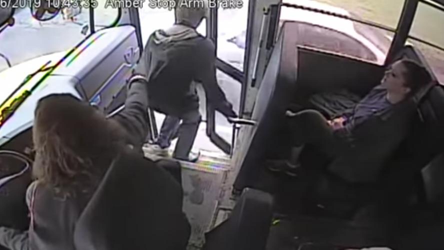 Le réflexe de cette conductrice de bus a sauvé cet ado