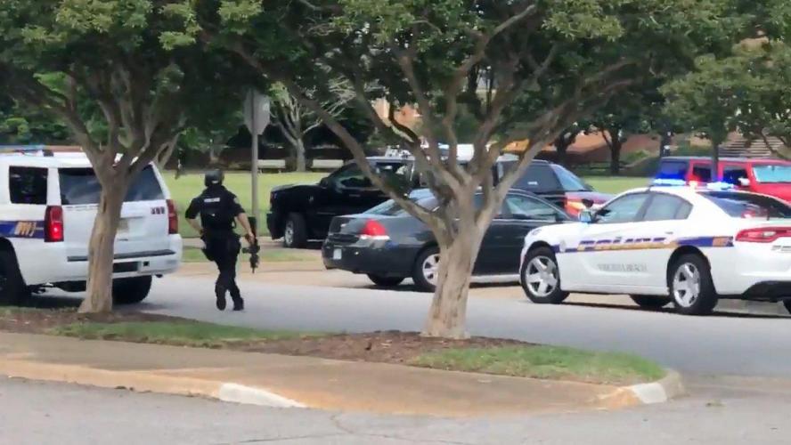 Etats-Unis un tireur fait 11 morts dans une station balnéaire en Virginie