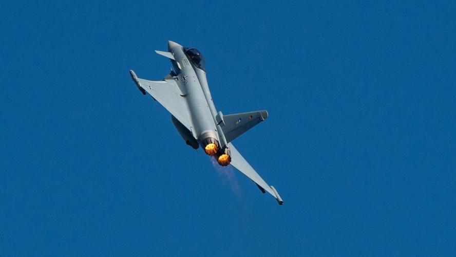 Deux avions de chasse Eurofighter s'écrasent après s'être percutés — Allemagne