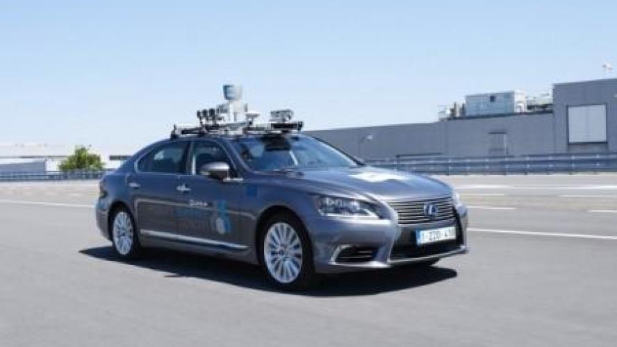 Toyota commence à tester la conduite autonome sur les routes européennes — Reportage