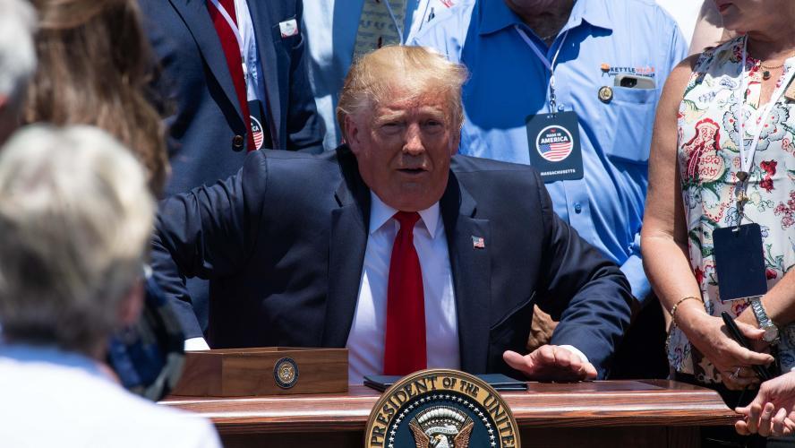 Donald Trump s'attire les foudres des internautes