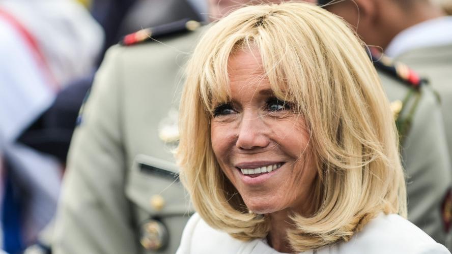 Brigitte Macron a subi une opération de chirurgie esthétique ! (Vidéo)