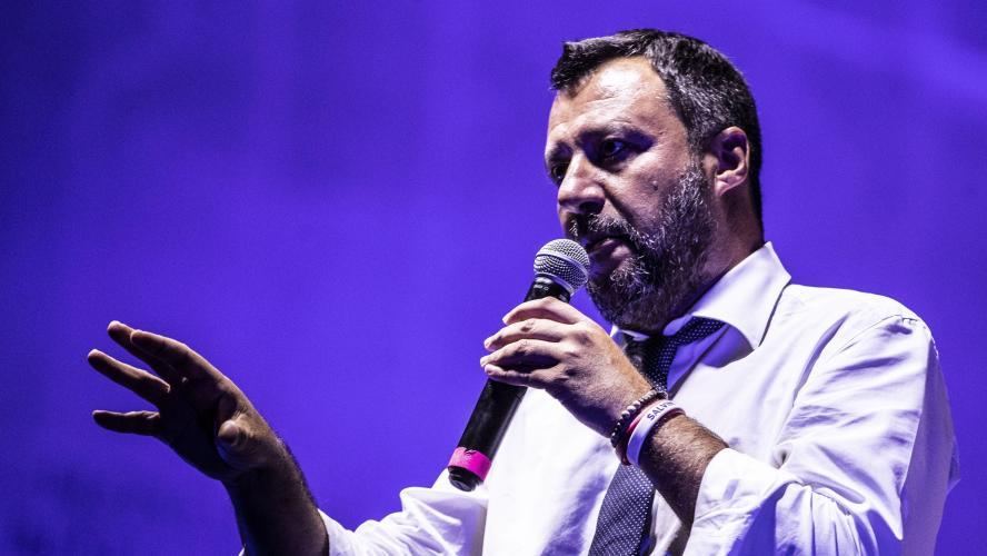 Salvini fait éclater la coalition populiste, colère du M5S — Italie