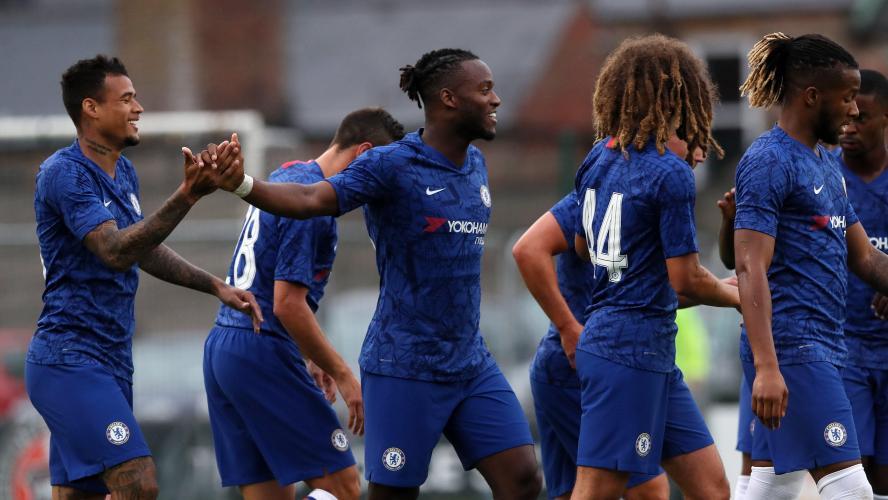Giroud sur le banc à Norwich — Chelsea