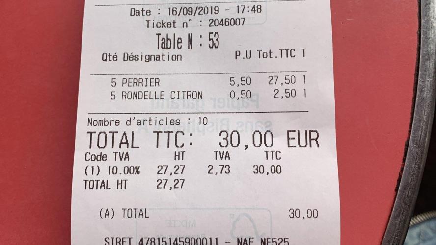 Des bistrots font payer les rondelles de citron aux clients — Paris