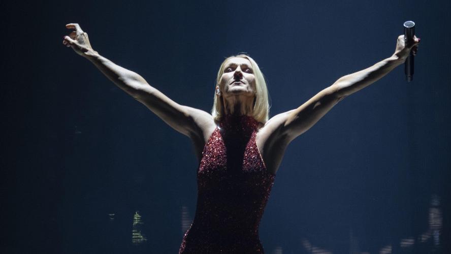 Un technicien électrocuté sur sa tournée — Céline Dion