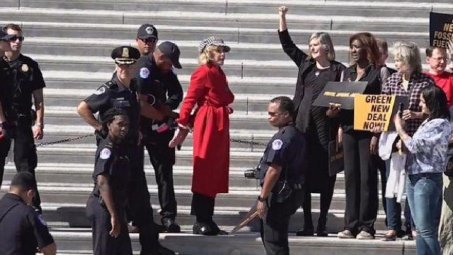 Jane fonda arrêtée en manifestant pour le climat