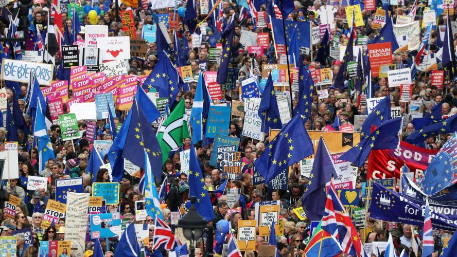 Des milliers de manifestants à Londres pour un second référendum — Brexit