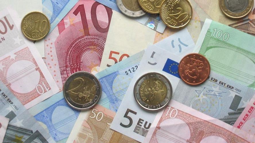 Verifiez Bien Vos Pieces De 2 Euros Elles Pourraient Valoir