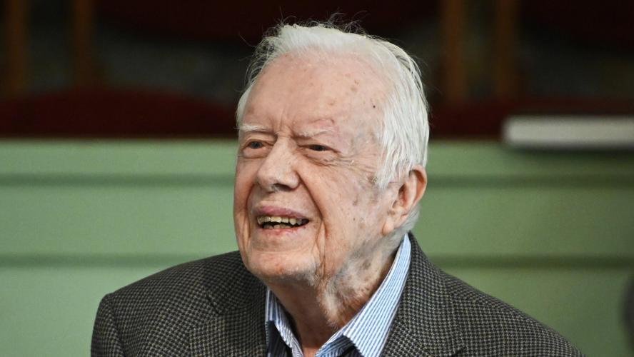Jimmy Carter opéré à la tête après de récentes chutes