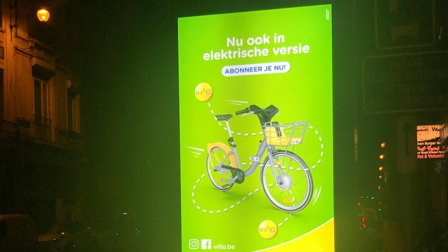 Saint-Gilles: des panneaux publicitaires digitaux JC Decaux sans permis d'urbanisme