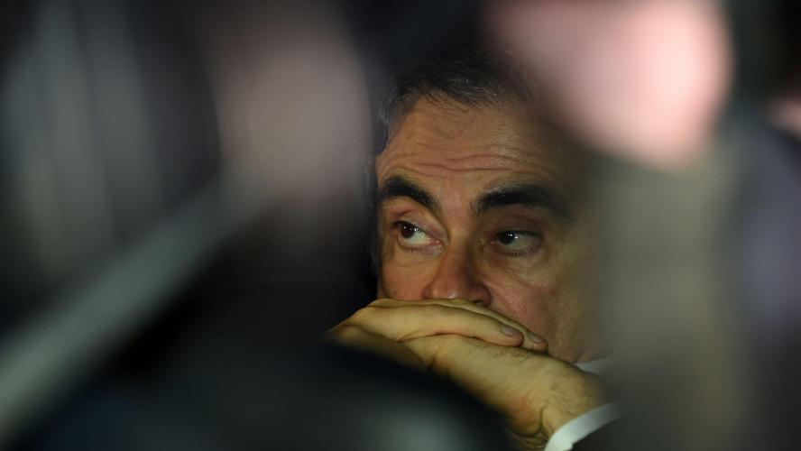 Carlos Ghosn dit se présenter devant la presse pour