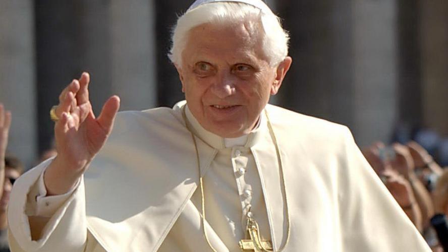 Pourquoi Benoit XVI ne veut pas de prêtres mariés