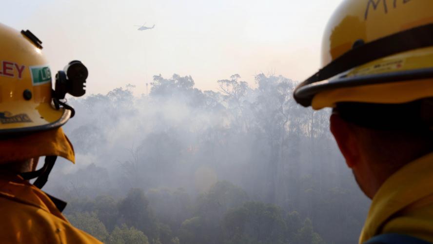 Un avion bombardier d'eau s'écrase et fait trois morts — Incendies en Australie
