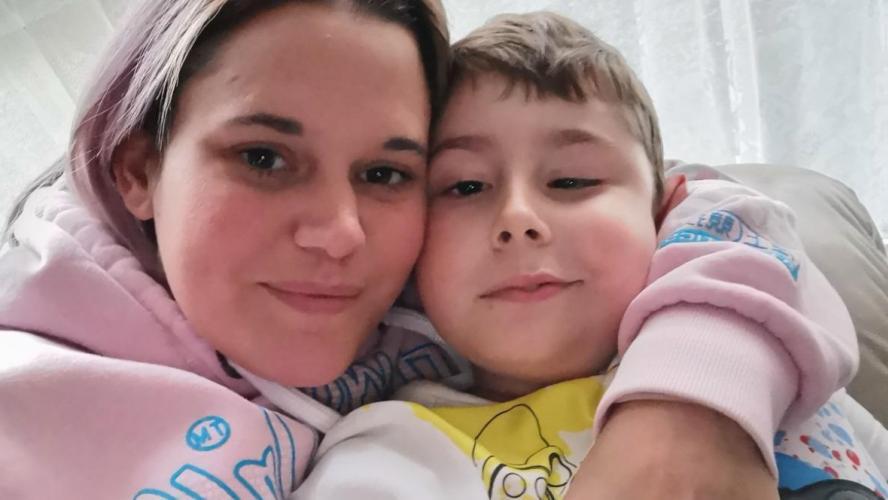 À cause du coronavirus, cette maman ne peut plus voir son fils, qui souffre d'une tumeur au cerveau en phase terminale