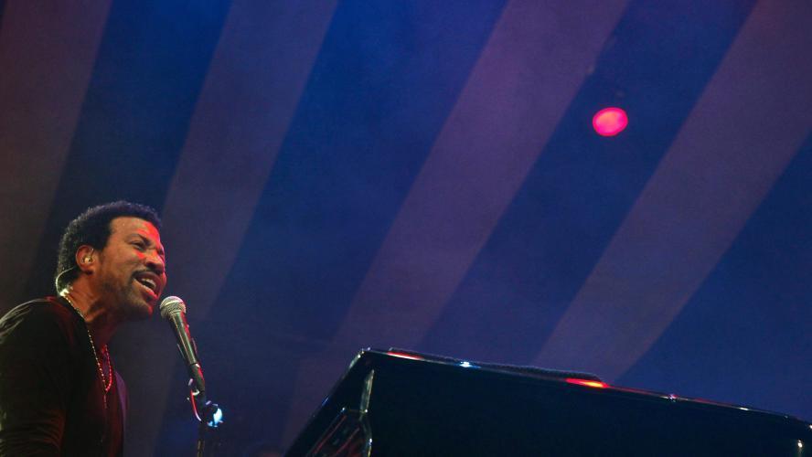 Coronavirus: Lionel Richie envisage un remake de