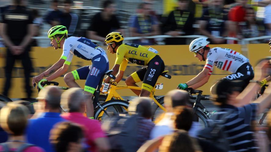 Tour de France: Roxana Maracineanu évoque la possibilité d'un  à huis clos