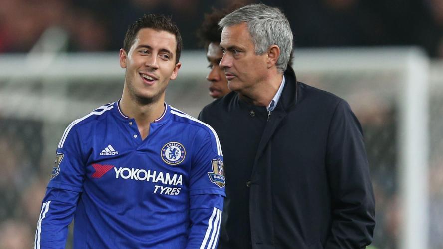 Drogba ou Eto'o, Mourinho n'en retient qu'un dans son équipe type !