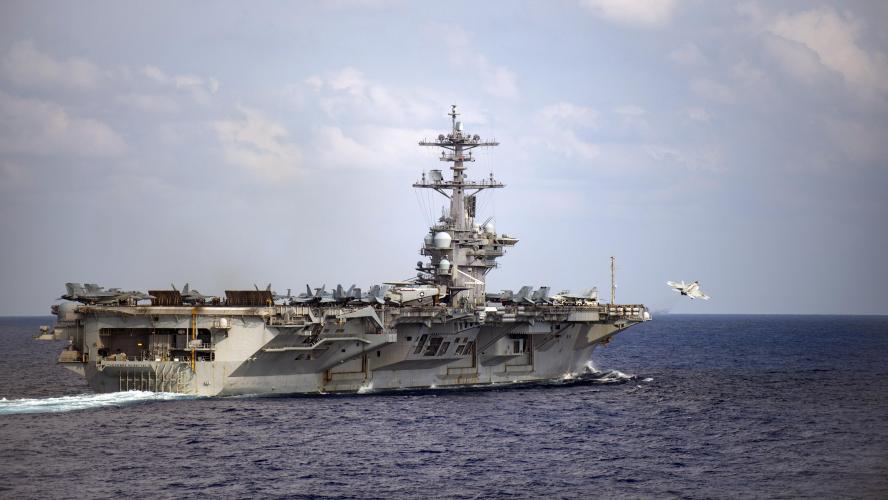 Un porte-avions nucléaire américain touché par le coronavirus
