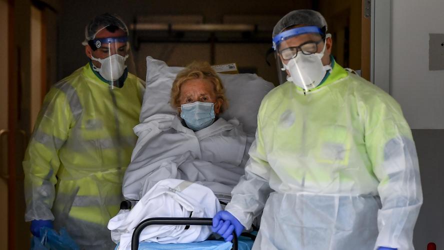 Le bilan au Royaume-Uni réévalué à 26 097 morts — Coronavirus