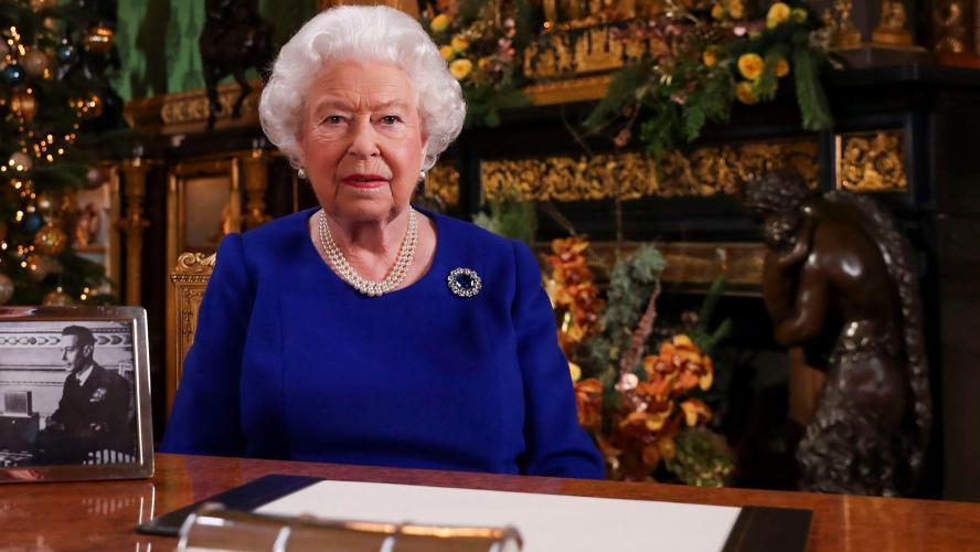 Qu'en pense la presse britannique — Discours d'Elisabeth II