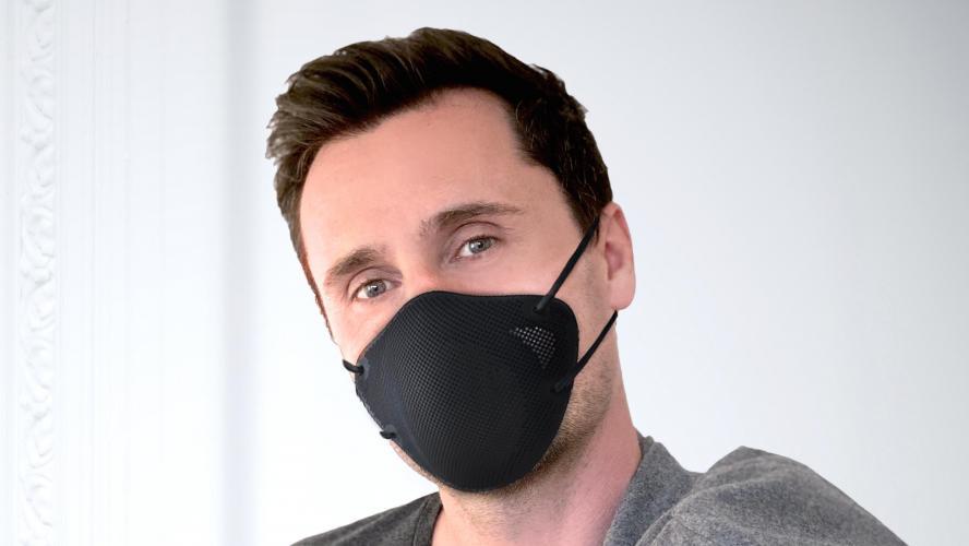 Nicolas Bustin, inventeur de ces masques futuristes !