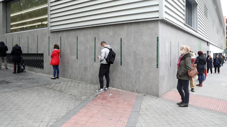 La distanciation sociale sans doute nécessaire jusqu'en 2022, selon des chercheurs d'Harvard