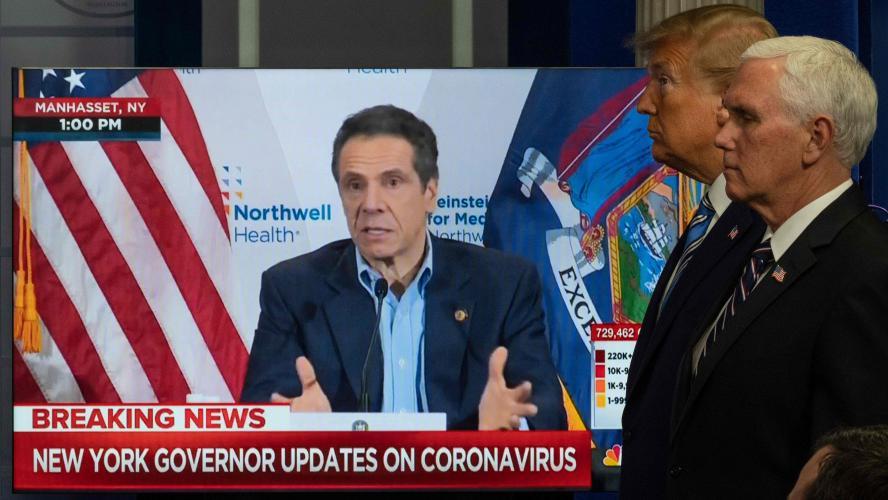 Coronavirus: Donald Trump suspend la délivrance de cartes vertes
