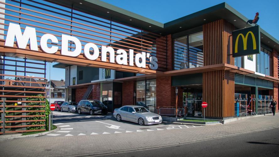 McDonald's : des files de voitures interminables pour la réouverture des