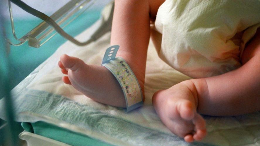 Un enfant meurt d'une maladie possiblement liée à la COVID-19