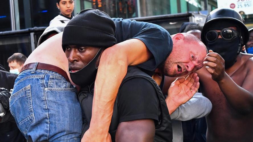 La police craint des violences avant des manifestations antiracistes — Londres