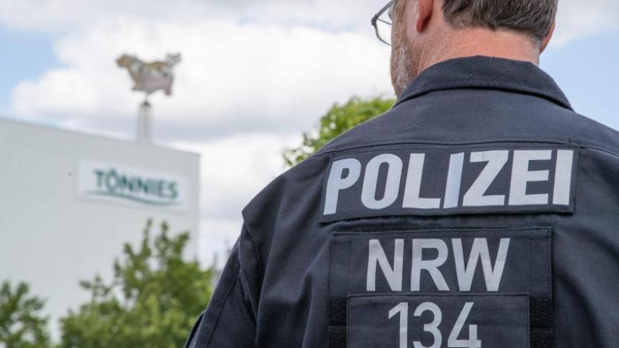 6 500 employés d'un abattoir placés en quarantaine en Allemagne — Coronavirus