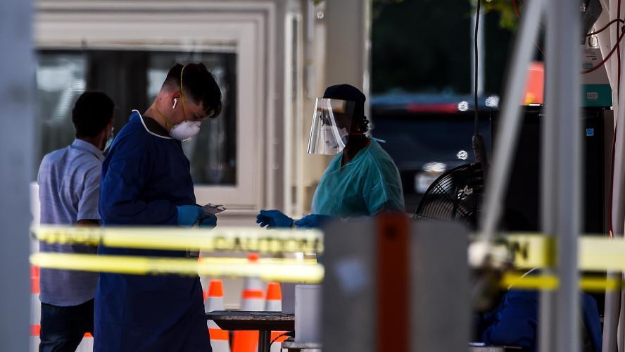 Coronavirus: les Etats-Unis passent la barre des 2,5 millions de contaminés