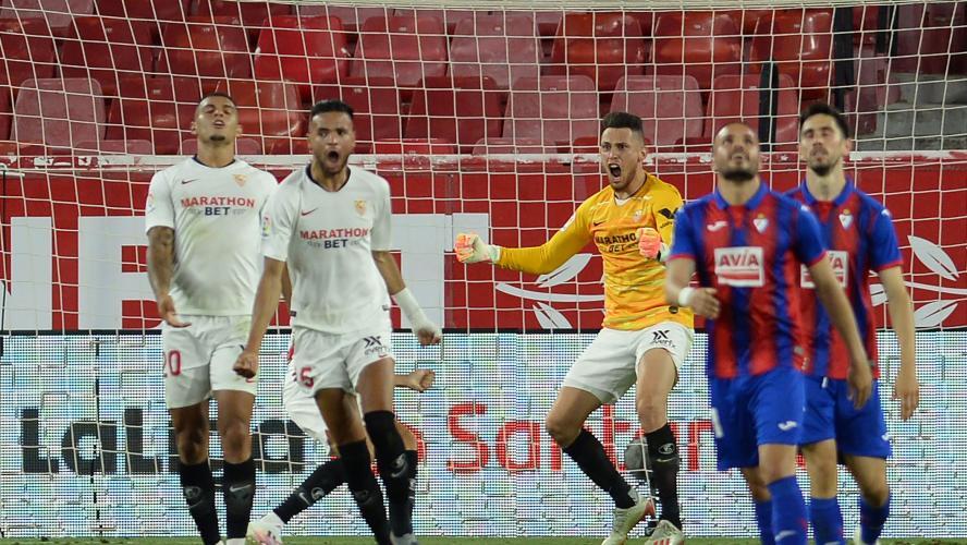 FC Séville : l'arrêt héroïque de Lucas Ocampos face à Eibar (vidéo)