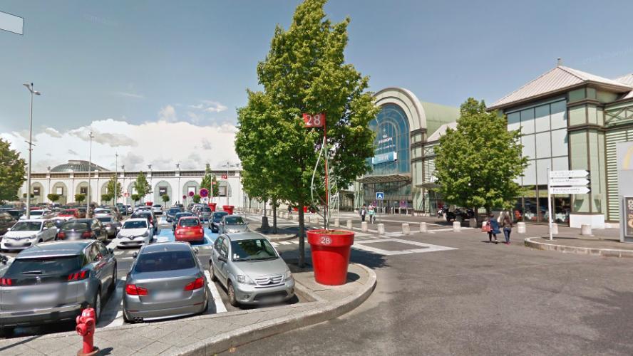 Deux enfants retrouvés inconscients après que leurs parents les ont enfermés dans une voiture — Seine-et-Marne