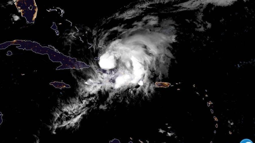 Inquiétudes face à l'ouragan Isaias en Caroline du Nord — Etats-Unis