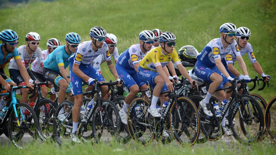 Remco Evenepoel victime d'une terrible chute — Tour de Lombardie