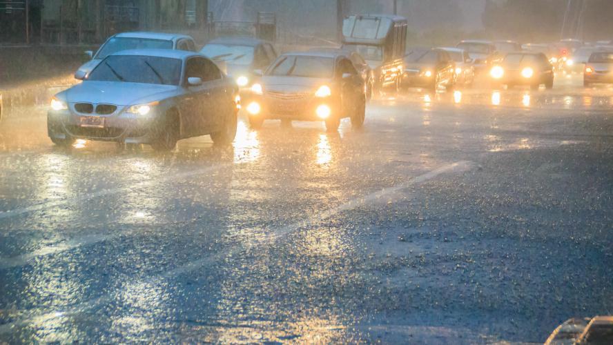 Orages, chutes de grêle, coups de vent sur toute la Belgique: David Dehenauw annonce que c'est pire que prévu, «alerte orange orage maintenant!»