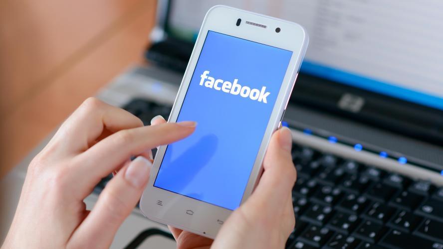 Facebook menace d'empêcher le partage d'articles