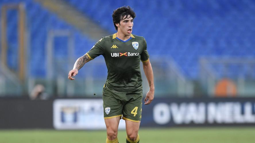 Sandro Tonali débarque à lAC Milan — OFFICIEL