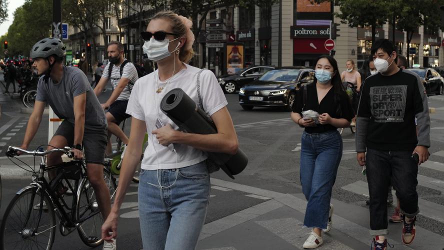 Covid-19 : la France dépasse la barre de 10 000 cas quotidiens