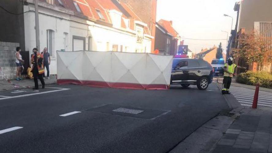 Accident ce mardi soir à Mouscron: un automobiliste grille une priorité et percute une moto